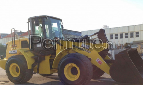 Trattore NEW HOLLAND W190B