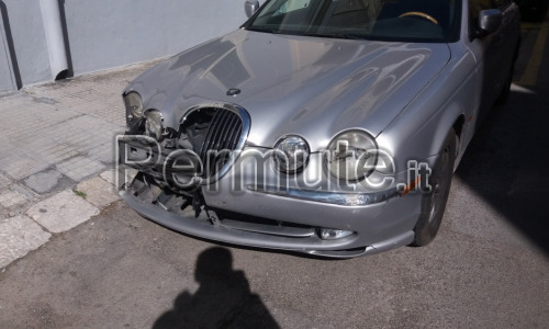JAGUAR S-TYPE 3.0 con GPL incidentata