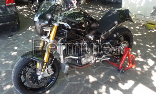 Valuto permuto Ducati monster s4rs