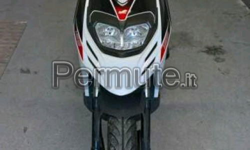 Aprilia SR 125 motard
