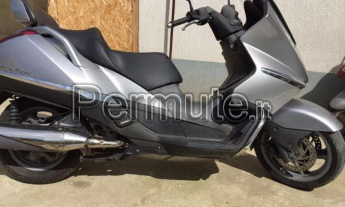 Permuto scooter Aprilia Atlantic 500