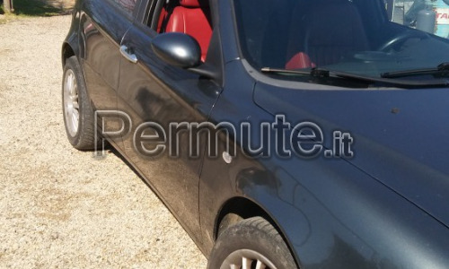 Scambio alfa 147 jtd 120cv anno 2002 5 porte interni in pelle full optional