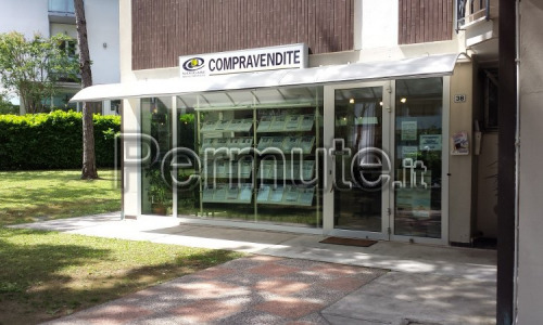 Lignano Pineta immobile commerciale