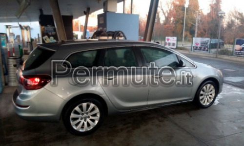 Opel Astra Sports Tourer del 2011 in permuta