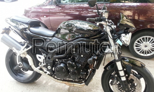 moto triumph speed triple 955i all black