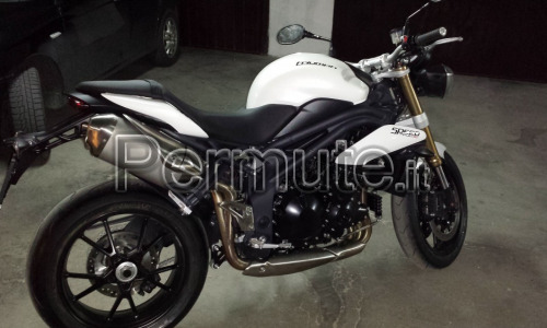 triumph speed triple bianca 2013